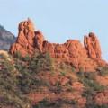 瞑想する岩