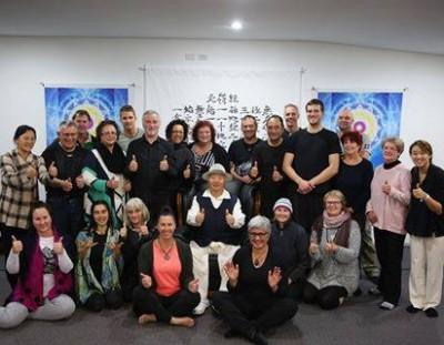 ニュージーランドのハルルリゾートにてオークランドスタジオのメンバーたちと